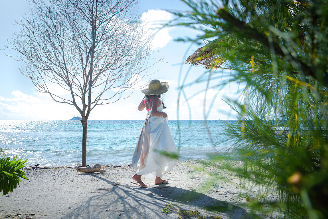 maldives-walking-wedding-maid-maafushi-photography